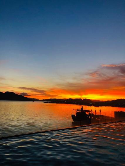 Coron sunsets, Coron hotels